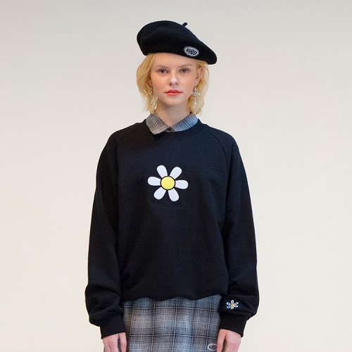 [더완더 :THEWANDER ] DAISY SWEATSHIRT BLACK